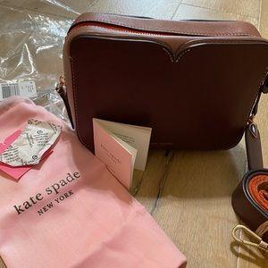 Kate Spade ♠️ Cherrywood Medium Camera Bag Maroon